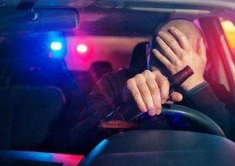 Immagine per la news Guida ubriaco la macchina aziendale, viene licenziato ma il giudice lo reintegra.